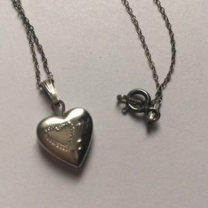 Jewelry - Adorable 😍 sterling heart ♥️ locket necklace
